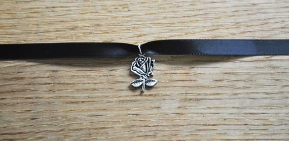 Handmade Black Rose Choker This handmade cute rose choker is perfect as a little gift for yourself or for someone else. If your planning on sending it as a gift this beautiful necklace can be bought with an organza gift bag for only 75p more, bargain. If you want to ensure they fit just send me a message with your neck measurement and Ill make them to size at no extra cost.