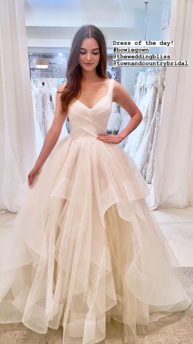 Liebe dieses Brautkleid