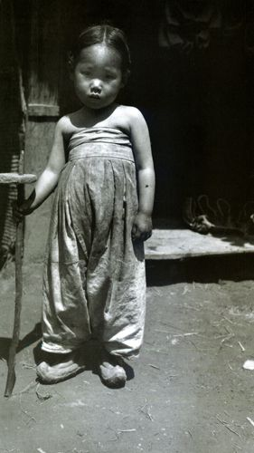 Korean Girl made Homeless by the War, Seoul, Korea, 1904, photo by Jack London