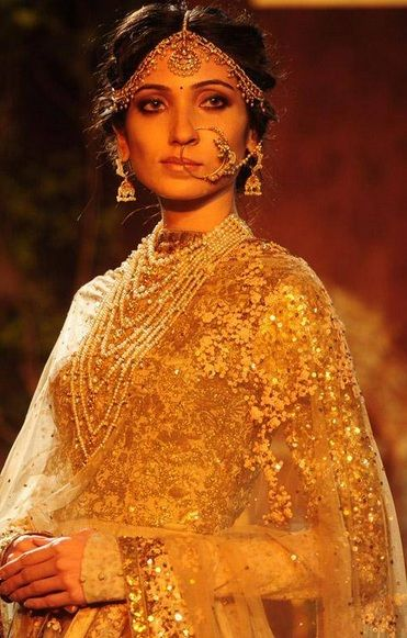 Sabyasachi So very regal and old-timey...