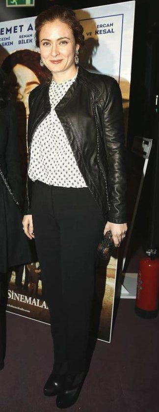 Turkish Actress, Ceyda Düvenci | At A Movie Premiere in Turkey.