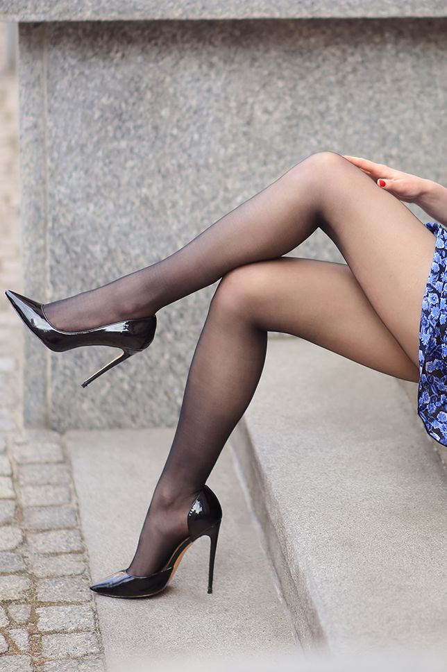 Gifs query high heels stockings