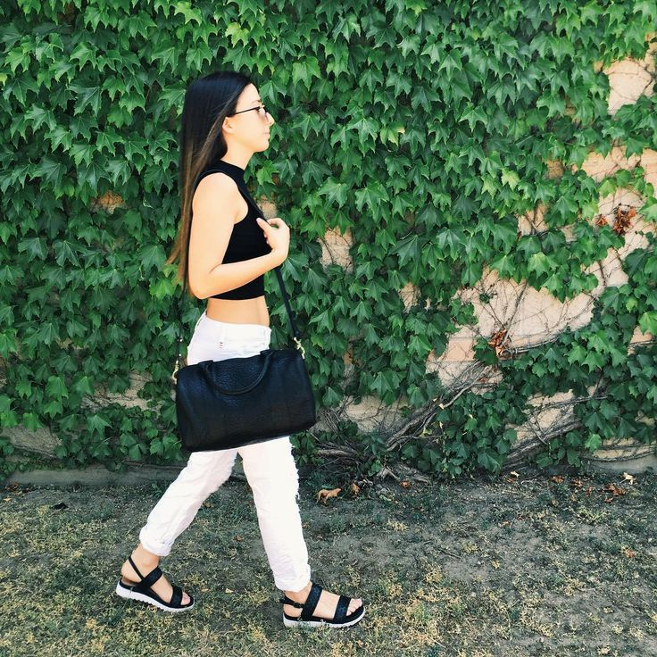 Street style // Kingdoms and Oaths Bubble leather bag