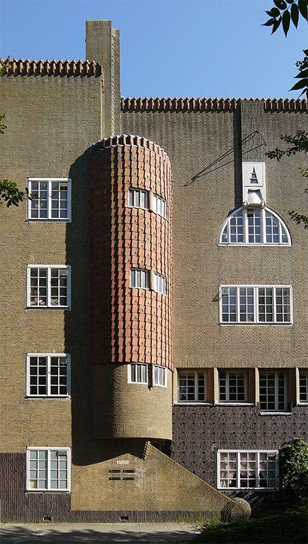 Housing by Michel de Klerk in Zaanstraat (Amsterdam) #archietcture.
