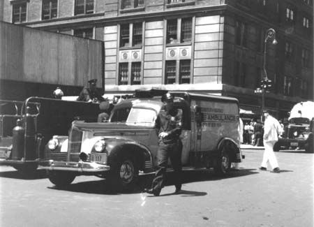Policeny Police Ny Esd Ess Esu Trucks Old Nypd N Y P D