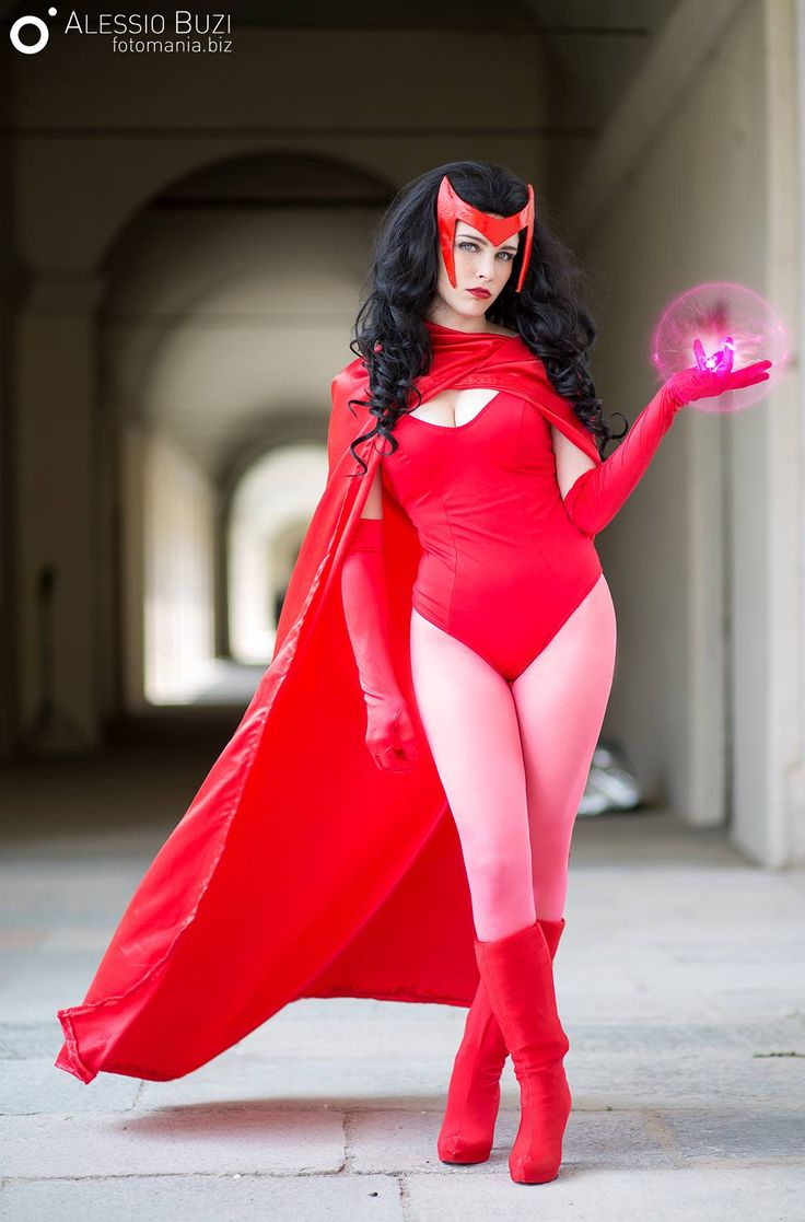 Giulia Ayanase as Scarlet Witch