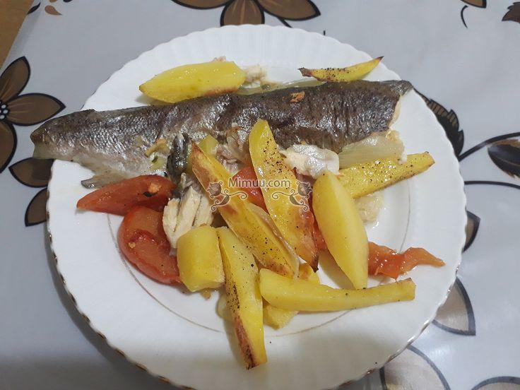 Fırında Sebzeli Alabalık Nasıl Yapılır? ,  #alabalıknasılpişirilir #balıkyemekleri #enlezzetlibalıktarifleri #fırındaalabalıknasılpişirilir #kolayfırındabalıktarifi , Balık reyonlarında küçük balıklar kalmadı neredeyse. Büyük balıklar mevcut.Fırında balık yemekleri tarifleri arayanlar için geçtiğim...