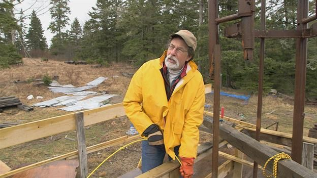 As Rick and Marty Lagina return to Oak Island, they discover that not only does borehole 10-X contain even more secrets than previously thought, but a new technology could prove that there are numerous treasure sites lying all over the island.
