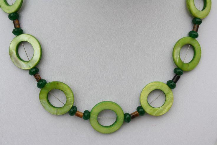 Ketten kurz - Edelsteinkette Tigerauge Jade Perlmutt grün braun - ein Designerstück von trixies-zauberhafte-Welten bei DaWanda