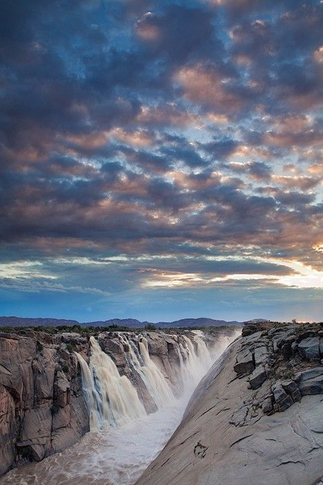 Augrabies Falls, fed by the Orange River, Augrabies National Park,South Africa. www.africansky.com