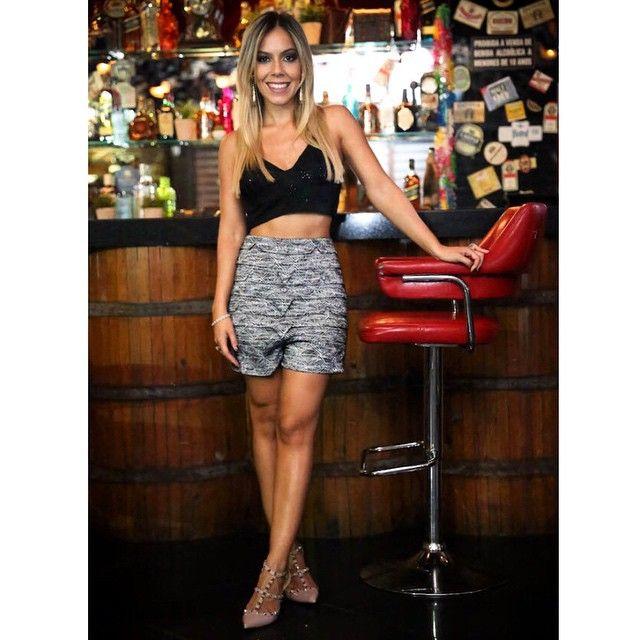 Sou apaixonada pelas peças da Paula Raia, os modelos são modernos, bem construídos e com vários recortes lindos! Por isso fico super feliz em contar que a marca chegou essa semana na @lojamyllabraga . Vários looks lindos estão lá no blog #checkitout #theblendblog #newpost