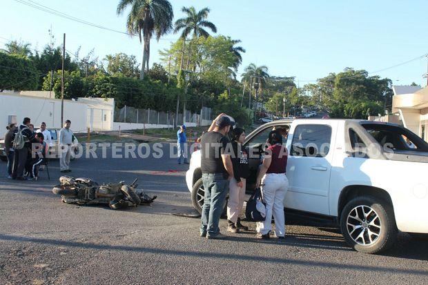 Llegan a trabajar tarde en Poza Rica por atropellado en el interior del Campo - http://www.esnoticiaveracruz.com/llegan-a-trabajar-tarde-en-poza-rica-por-atropellado-en-el-interior-del-campo/