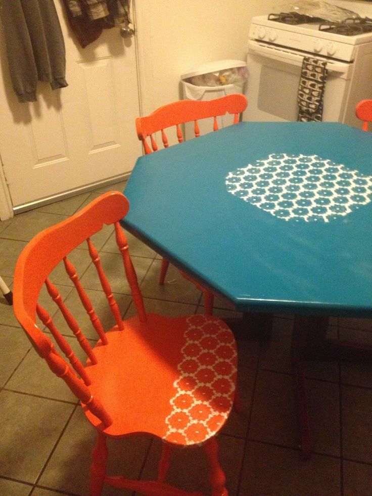 Lace  spray paint  kitchen table and chairs. 101 best OAK TABLES images on Pinterest   Oak table  Kitchen