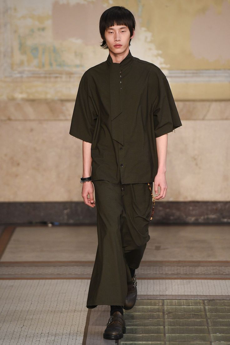 Damir Doma Spring 2017 Ready-to-Wear Fashion Show