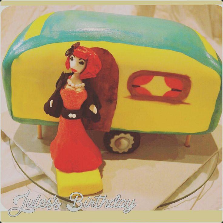 #resiscakeart #redvelvetcake #farewellcake #travel #caravan #pinupgirl #retro #southwestfood #margaretriver #busselton #dunsborough resiscakeart@gmail.com