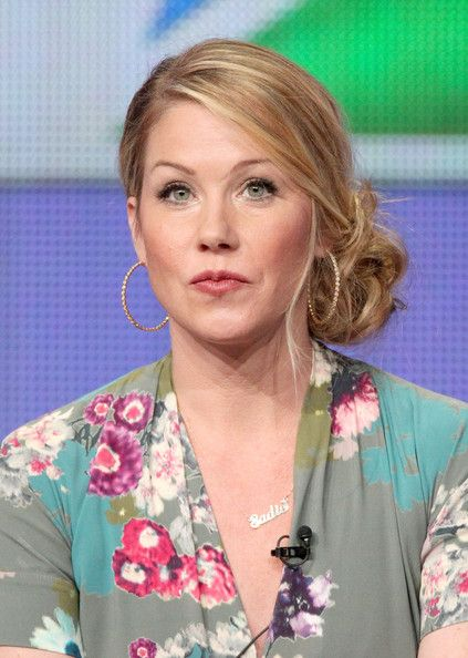 Christina Applegate Twisted Bun - Twisted Bun Lookbook - StyleBistro