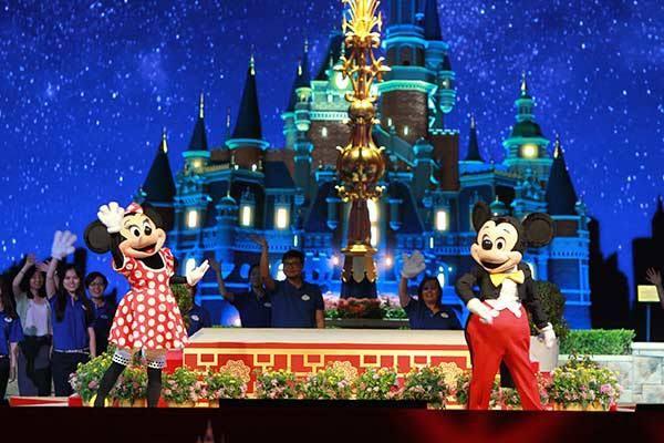 ShanghaiDisney Resort,Paling Murah Sedunia   07/02/2016   Housing-Estate.com, Jakarta - Anda ingin berlibur ke Disneyland dan tak mau kantong kempis? Datang saja ke Shanghai Disney Resort di negeri Cina. Tiket masuknya disebut-sebut akan menjadi yang paling murah ... http://propertidata.com/berita/shanghai-disney-resort-paling-murah-sedunia/ #properti #jakarta #jepang #resort