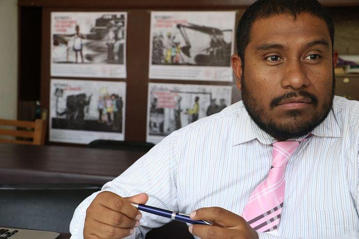 """El coordinador del Centro de Derechos Humanos """"Zeferino Ladrillero"""", José Antonio Lara Duque, condenó la agresión contra los periodistas independientes que fueron interceptados y despojados de sus equipos por un ..."""