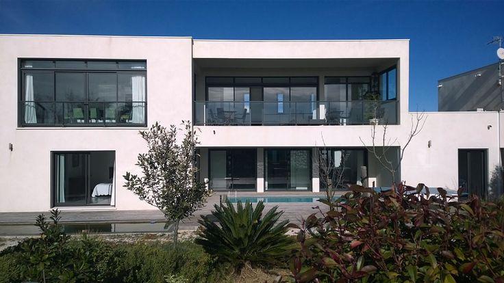 Abritel location villa à Sète. Villa contemporaine à SETE en 1ère ligne mer, à 50 mètres de la plage, piscine