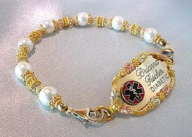 Black Hills Gold Bracelet: Black Hills Gold, Black Hill Gold, Gold Jewlery, Gold Bracelets, Blackhil Gold, Gold Jewelry