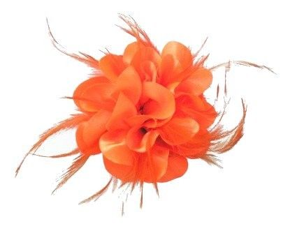 Bloem zijde met veertjes met clip/speld oranje
