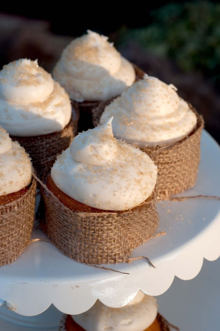 burlap cupcake coveres for a cowgirl bday party