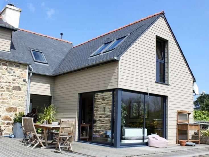 Rénovation maison bretonne - Extension bois sur maison en pierre : Isolation, peinture, pose de parquet, création d'un escalier, création de modules de rangement et étagères, pose de menuiseries extérieures bois.