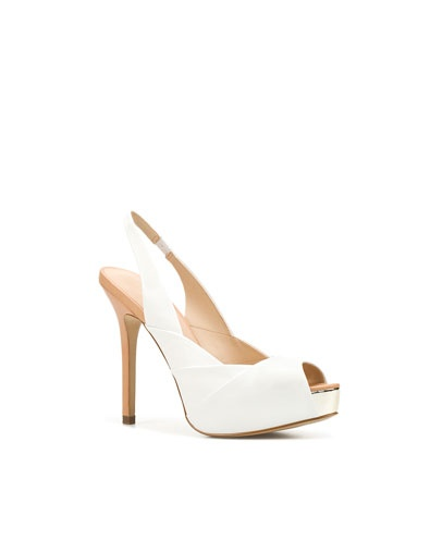 pleated slingback... perfect summer shoe: White Pumps, Women'S Shoes, White Shoes, Casual Shoes, Pleated Slingback, Shoes Fashion, Summer Shoes, Shoes Women, Women Shoes