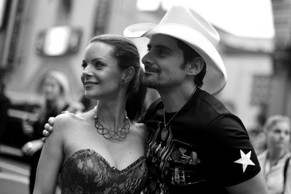 14 Years Ago: Brad Paisley Marries Kimberly Williams