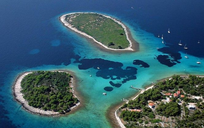 If you are looking for the best beaches for you vacations on Trogir Riviera, here is a selection of five most popular ones. The beaches are for everyone from families with children, those who like to have a drink on a beach, jumping in the sea from the bar, nightlife lovers or naturist fans.