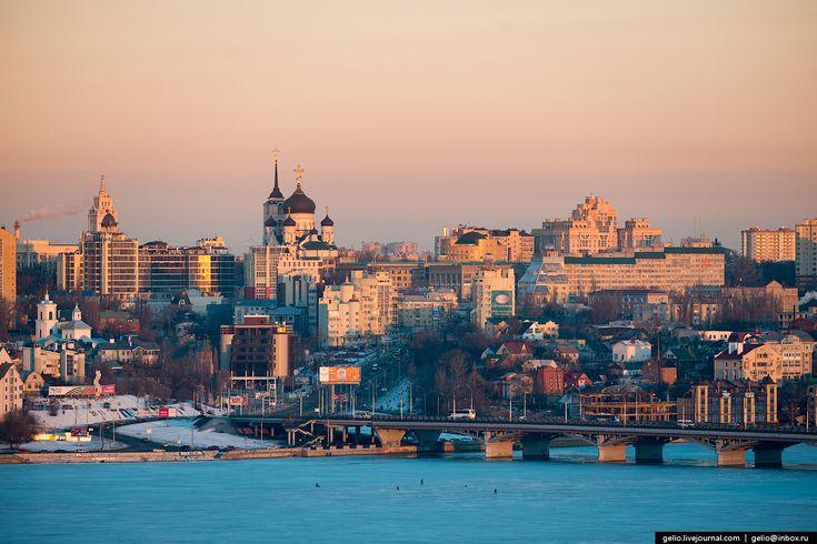 1. Воронеж был основан как сторожевая крепость в 1585 году.   В 1696 году, после…