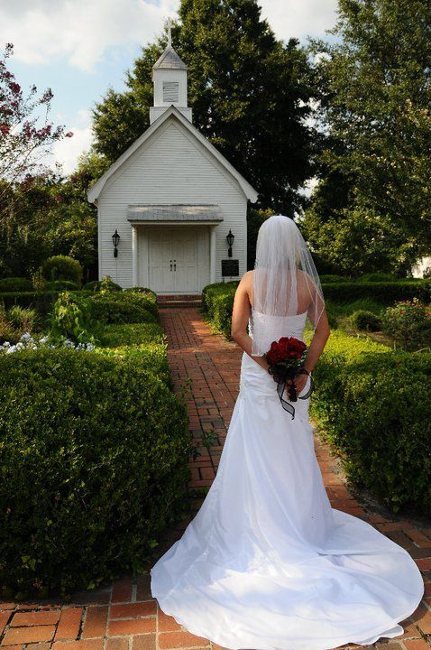 A Little Southern Chapel On My Wedding Day The Crescent Mansion Valdosta GA