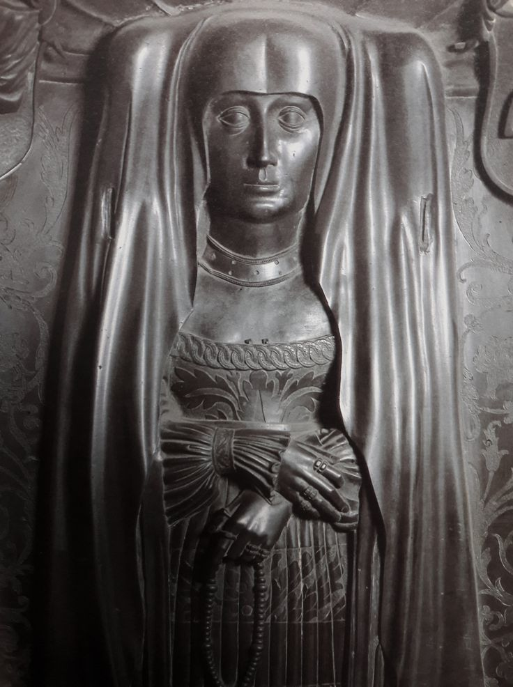 Fragment of bronze tomb sculpture of Zofia Bonerowa née Bethman by Hans Vischer, 1532-1538, Bazylika Mariacka w Krakowie, Zofia Bonerowa was a wife of a banker of King Sigismund I, Seweryn Boner