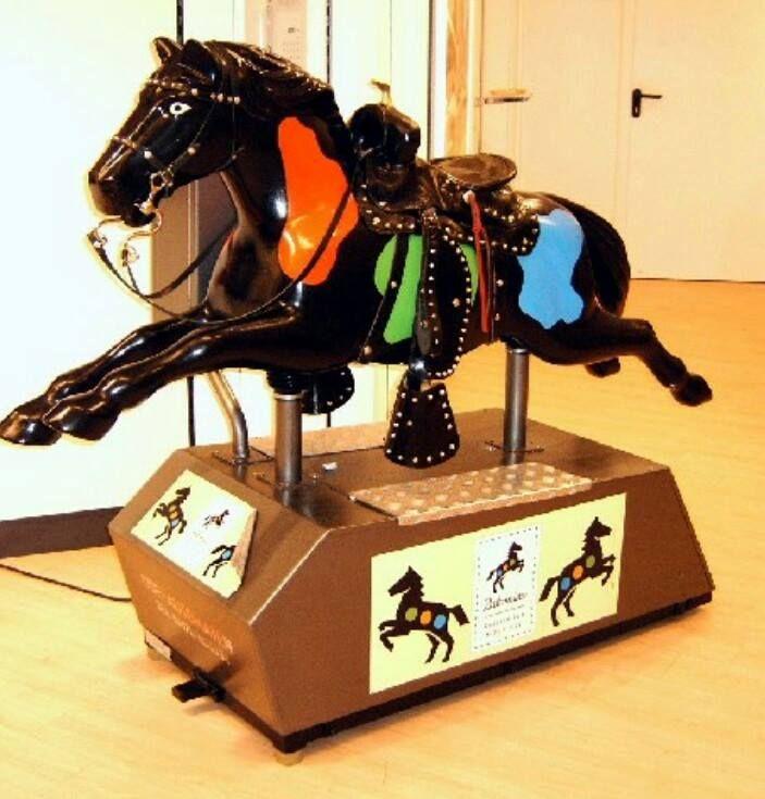 Das C&A Pferd! Eine gute Ablenkung wärend dem Shoppen. Die Mara saß da auch schon drauf.