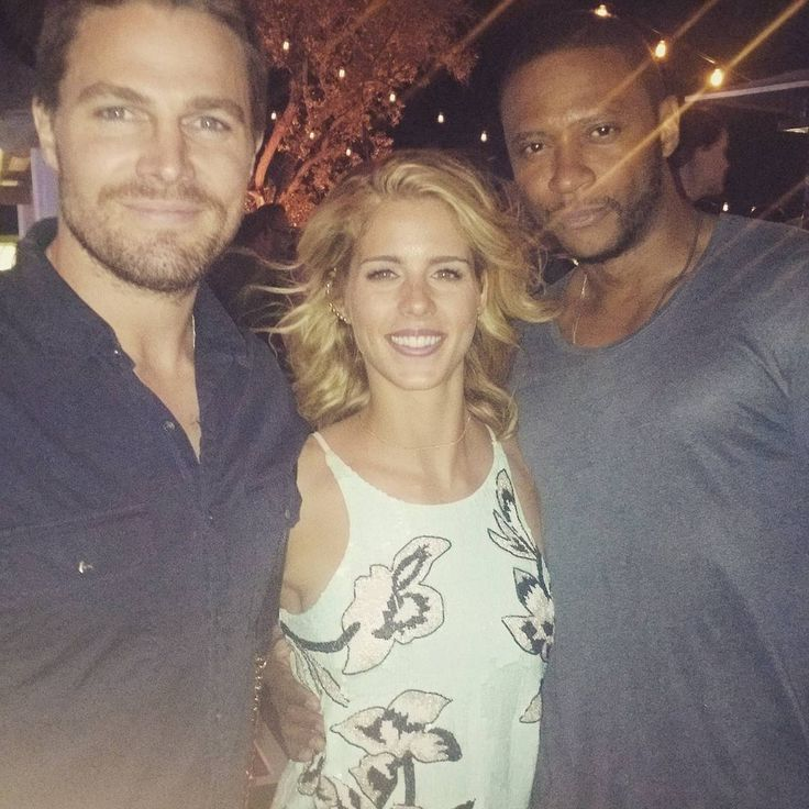 david ramsey emily bett rickards and stephen amell dc. Black Bedroom Furniture Sets. Home Design Ideas