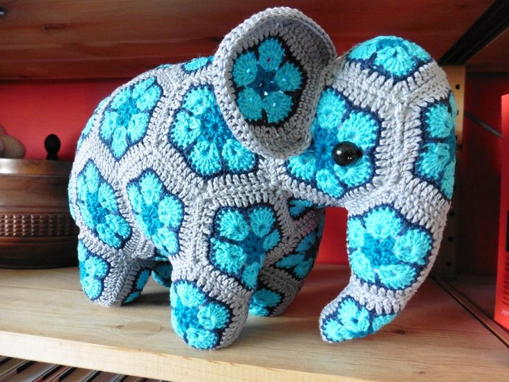 Elephant african flowers (Credits for the pattern to Anne Rutgrink, with necessary adjustments though!)