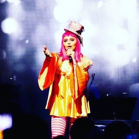 Diário feminino: Madonna - Tears Of A Clown