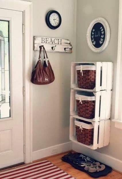 Organizar... One bin for each kids stuff