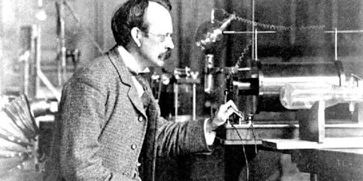 27 gennaio 1897: Il fisico Joseph John Thomson scopre l'elettrone