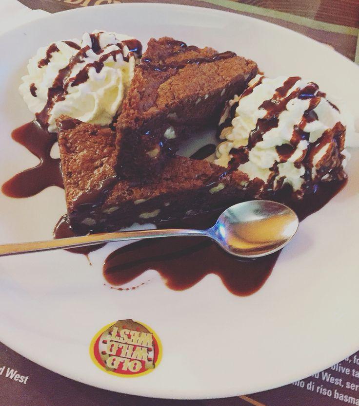 #chocolate #creme #brownie #sweet