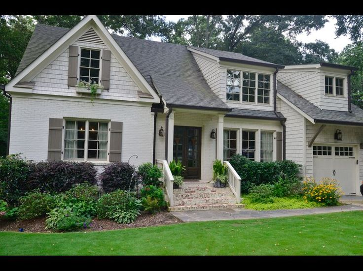 63 best trim and shutters to go with cream siding images on pinterest house beautiful Davies paint exterior color combination