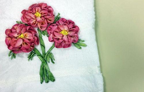 """Artesanato Origami Passo A Passo ~ Arte Brasil Bordado em Toalha""""Flor Lisianto"""" Zilda Mateus Embroidery Tutorials"""
