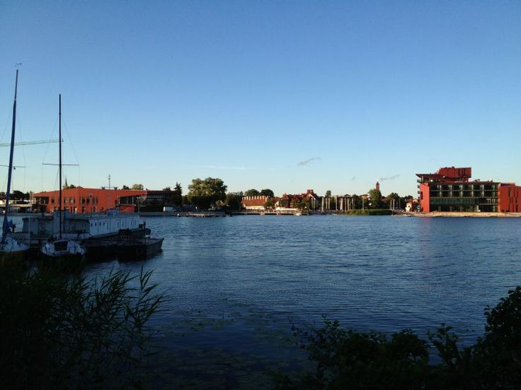 How far is it from #business to leisure? In the Hotel Mikołajki the distance is 150 m.