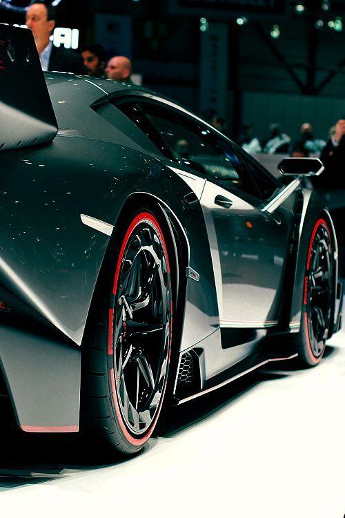 Lamborghini Veneno   glimpse visible structure #concept