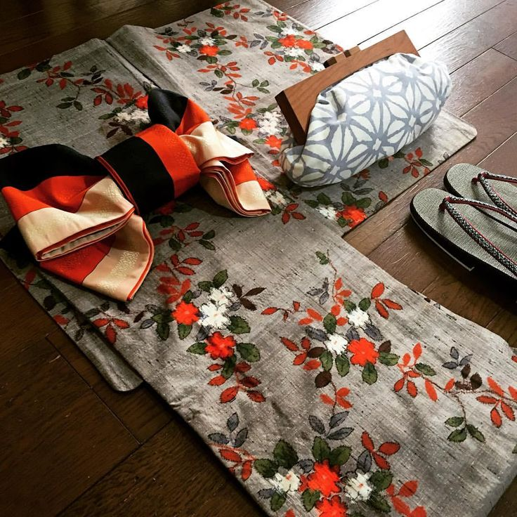 いいね!632件、コメント28件 ― onlyさん(@only.kimono)のInstagramアカウント: 「今日のお着物 単衣です〜❗️ 身丈158㎝、裄丈64㎝、袖丈49㎝ (お着物のみの出品です) 襟裏に多数シミ有り . #ありがとうございます、売り切れました。 . #japan#kimono…」