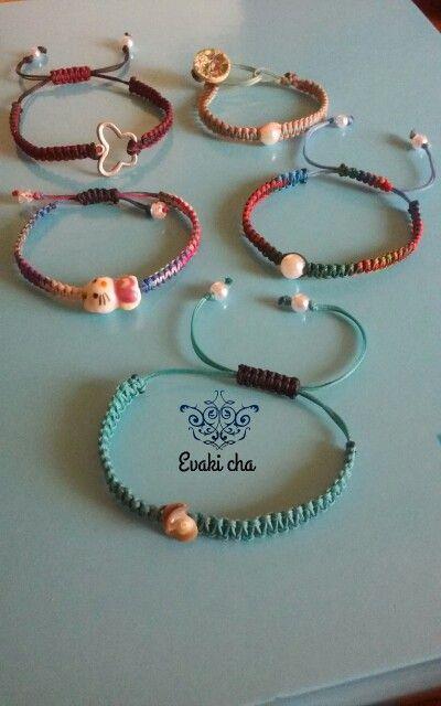 Macramé   bracelets/Colores!!