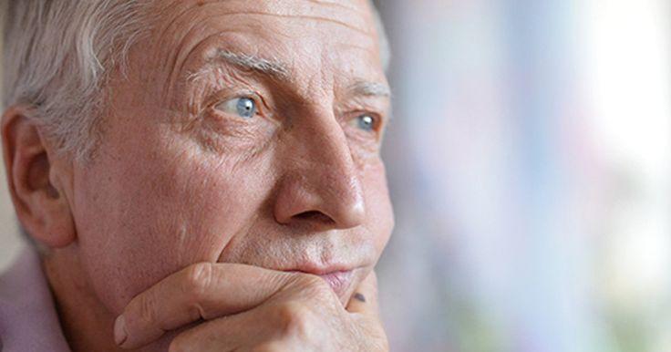 Tem havido uma corrida para descobrir a melhor forma de tratar o Alzheimer, come�ando com a forma de limpar as prote�nas beta-amil�ide e Tau defeituosas do c�rebro dos pacientes.