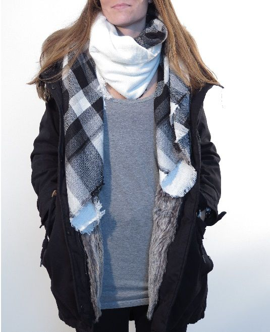 ¡Escribe a info@escampe.com para conseguir tu pañuelo de moda por 10€! 140 x 140 Pañuelo maxibufanda de cuadros (blanco y negro)