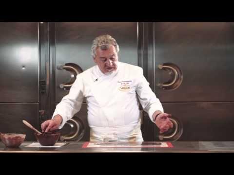 Lazo de chocolate por Paco Torreblanca y Chocolates Valor