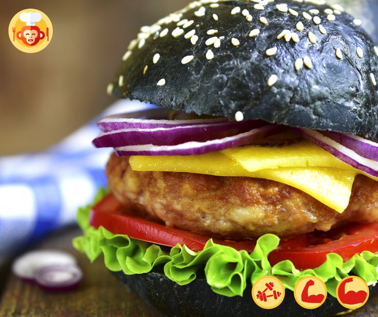 Czarny FIT burger z indykiem.  #fit #burger #black #turkey #yummy #best #delicious #foodporn #food #foodmonkeys #streetfood #fastfood #recipe #good #yummy #best